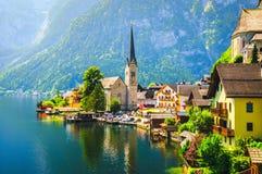 Opinión escénica sobre el pueblo de Hallstatt en Austria fotografía de archivo libre de regalías