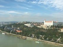 Opinión Eslovaquia del castillo de Bratislava Foto de archivo libre de regalías