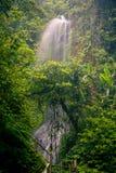 Opinión espectacular de la mañana, cascada hermosa de Nungnung, Bali Foto de archivo