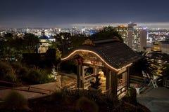 Opinión exterior de la noche del Yamashiro famoso Hollywood imagenes de archivo