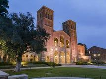 Opinión exterior de la noche Royce Hall imagen de archivo libre de regalías