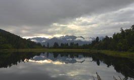 Opinión famosa del lago en Nueva Zelandia Fotos de archivo