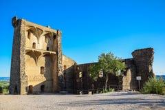 Opini?n francesa del castillo con el cielo azul imágenes de archivo libres de regalías