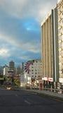 Opinión Francisco de Orellana Avenue en el norte de la ciudad de Quito Imagenes de archivo