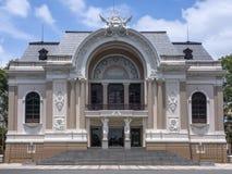 Opinión frontal sobre el teatro de la ópera de Saigon en Ho Chi Ming City. Fotos de archivo