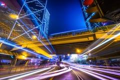 Opinión futurista del paisaje urbano de la noche Hon Kong imágenes de archivo libres de regalías