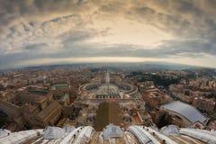 Opinión granangular la Ciudad del Vaticano Imagen de archivo libre de regalías