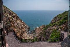 Opinión Hai Ting del barranco de Lingshui de la isla del límite Foto de archivo libre de regalías