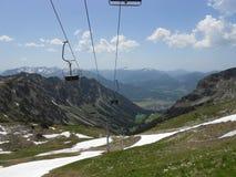 Opinión hermosa de la montaña y de la naturaleza con nieve Imagen de archivo