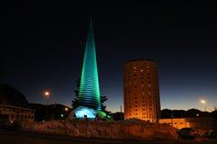 Opinión hermosa de la noche de un hotel en Sestriere Turín, Piemonte, Italia Fotos de archivo libres de regalías