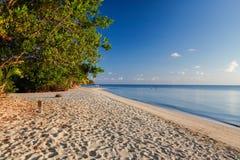 Opinión hermosa de la playa en una isla caribeña en Colombia imagenes de archivo