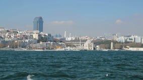 Opinión hermosa de Ortakoy de la mezquita de Turquía del mar, moderna y religiosa, Estambul metrajes