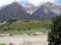 Opinión hermosa del paisaje con la montaña Imagen de archivo