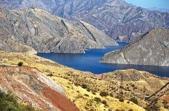 Opinión hermosa del paisaje del río de la montaña Imagen de archivo libre de regalías