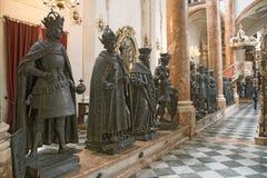 Opinión interior de Hofkirche, Innsbruck, Austria Foto de archivo