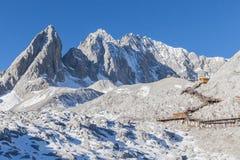 Opinión Jade Dragon Snow Mountain Foto de archivo