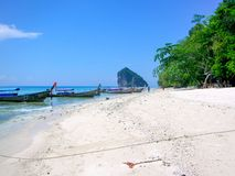Opinión Koh Kai, isla del pollo, mar de Andaman, Tailandia fotografía de archivo
