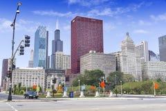 Opinión la plaza y Willis Tower de la PODER Imagen de archivo
