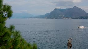 Opinión Lago Maggiore de Isola Bella almacen de video