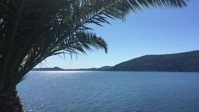 Opinión Lago Maggiore de Santa Caterina Monastery almacen de video