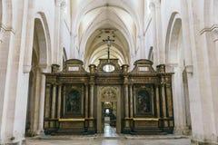Opinión medieval de la catedral dentro Fotos de archivo libres de regalías