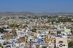 Opinión miniatura superior de la ciudad de Udaipur del área residencial, Rajasthán, Fotos de archivo libres de regalías