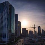 Opinión púrpura de Honolulu céntrica, Oahu de la puesta del sol imágenes de archivo libres de regalías