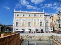 Opinión Palazzo San Jorge, St George Palace, en la ciudad vieja de Génova, Italia fotografía de archivo libre de regalías
