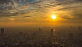 Opinión panorámica aérea de la puesta del sol de Tokio Fotos de archivo libres de regalías
