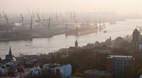 Opinión panorámica aérea del puerto de Hamburgo Imagen de archivo