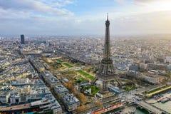 Opinión panorámica aérea hermosa del paisaje urbano de París foto de archivo