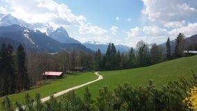 Opinión panorámica agradable sobre las montañas Imágenes de archivo libres de regalías