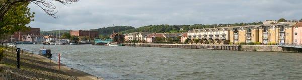 Opinión panorámica Bristol Docks que muestra a tabaco viejo almacenes consolidados fotos de archivo