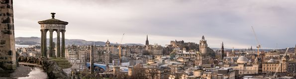 Opinión panorámica de Edimburgo fotos de archivo