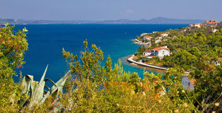 Opinión panorámica de Iz de la isla croata Fotografía de archivo