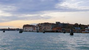Opinión panorámica de la agua de mar de Grand Canal, Venecia, Italia, Europa metrajes
