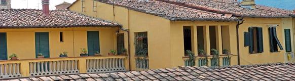 Opinión panorámica de la casa italiana Imagen de archivo