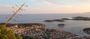 Opinión panorámica de la isla de Hvar Imagen de archivo libre de regalías