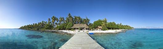 Opinión panorámica de la isla del paraíso Imagenes de archivo