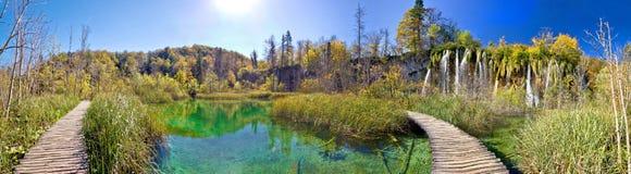 Opinión panorámica de la naturaleza del paraíso de los lagos Plitvice Foto de archivo libre de regalías