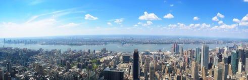 Opinión panorámica de Manhattan Imagen de archivo libre de regalías