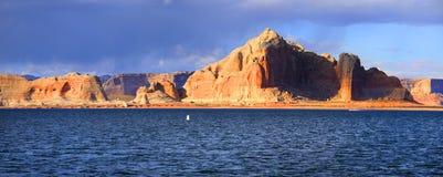 Opinión panorámica de Powell del lago Fotografía de archivo libre de regalías