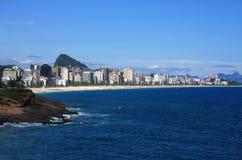 Opinión panorámica de Rio de Janeiro de Copacabana Imagen de archivo libre de regalías