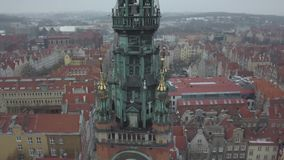 Opinión panorámica del abejón aéreo de la Gdansk Polonia, el 2018 de enero almacen de video
