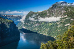 Opinión panorámica del fiordo de Geiranger, Noruega Imágenes de archivo libres de regalías