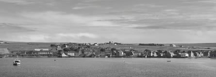 Opinión panorámica del puerto del St Margaret Hope en las Orcadas escocia Reino Unido Imagenes de archivo