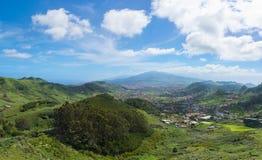 Opinión panorámica hermosa sobre Tenerife del Mirador de Jardina foto de archivo