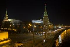 Opinión panorámica imponente de la noche de Moscú en el Kremlin, Rusia Foto de archivo libre de regalías