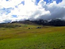 Opinión panorámica Sciliar de Alpe di Siusi Alps Foto de archivo libre de regalías