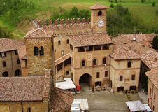 Opinión panorámica sobre Castell'arquato, Piacenza, Italia foto de archivo